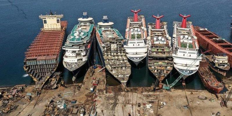 Skrotning av fartyg.